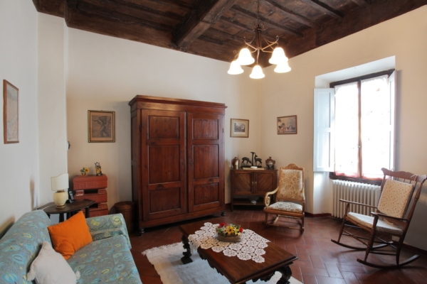 Villa Nobili living room 4